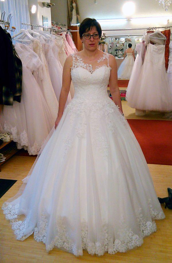 Esküvői ruha előnyös 1
