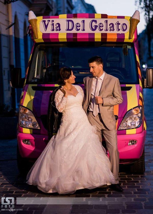 esküvői ruha kép 2