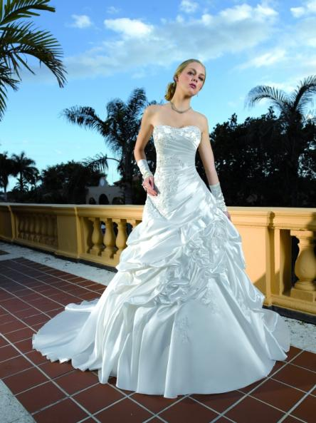 esküvői ruhák színe (13)