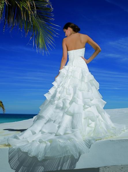 esküvői ruhák színe (14)