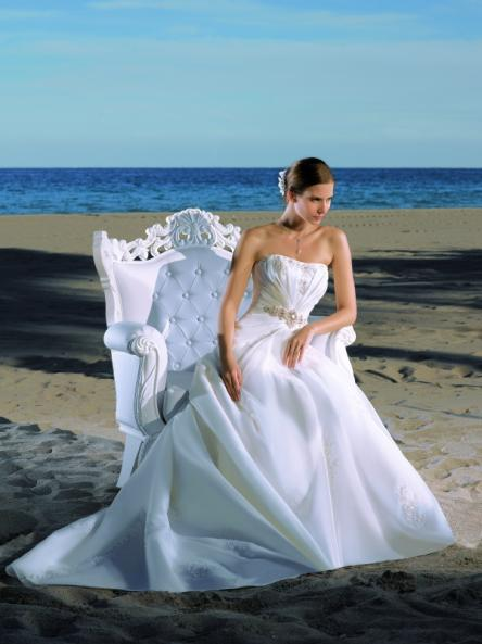 esküvői ruhák színe (15)