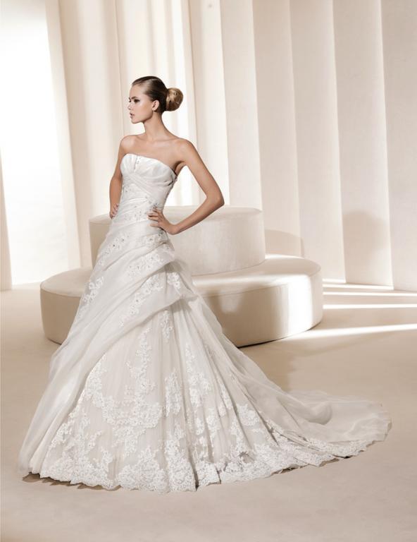 esküvői ruhák színe (16)