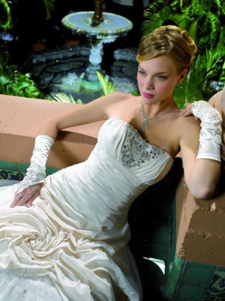 esküvői ruhák színe (18)