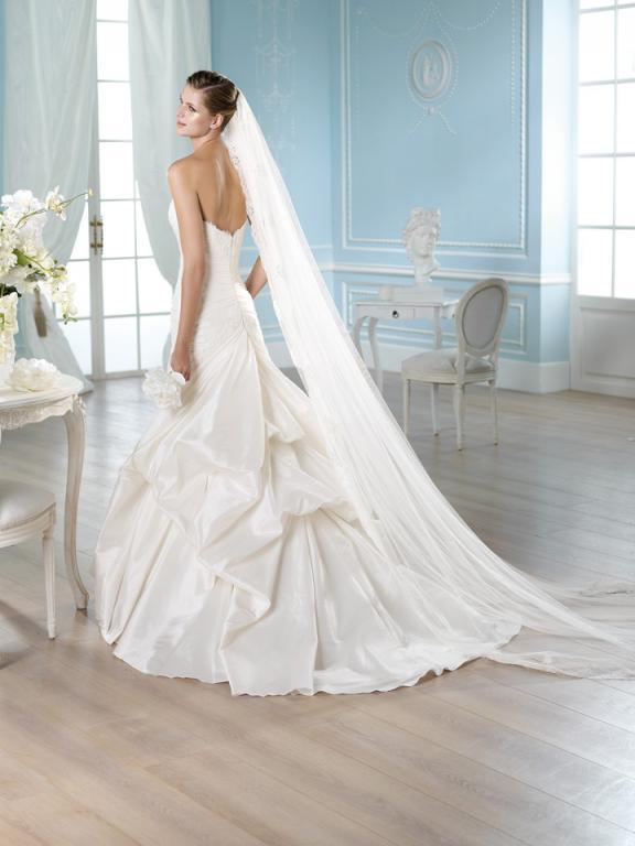 esküvői ruhák színe (20)