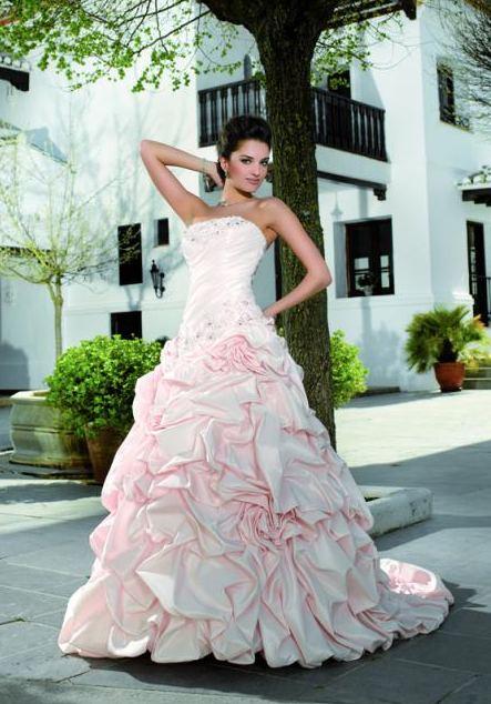 esküvői ruhák színe (5a)