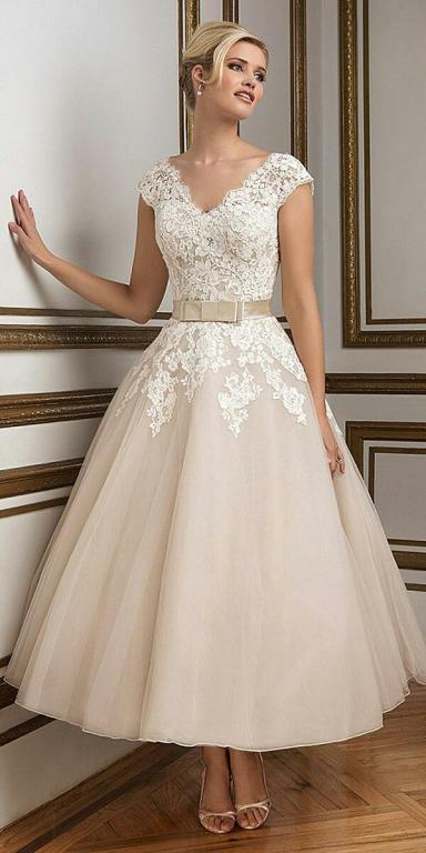esküvői ruhák színe (9)